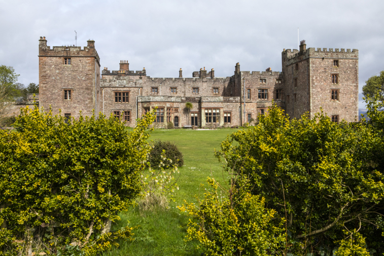 lake district history, muncaster castle